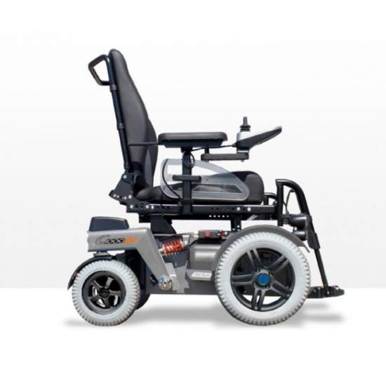 Electric wheelchair C1000 DS Otto Bock -  With its front engine and the new address, the C1000 DS is suitable for both exterior and interior spaces. Also, the wheelchair offers a low seat height, a wide variety of seating options and the possibility of using special controls.