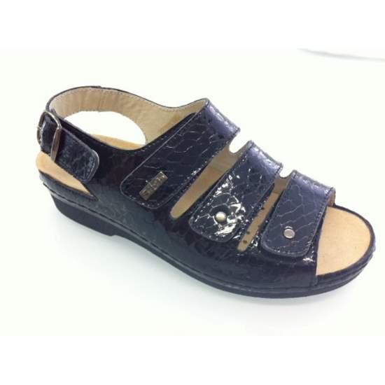 TEMPLATE confortáveis sapatos modelo Tina - Sandália muito confortável para palmilhas corretivas, Tina modelo, fabricado em Coco patente.