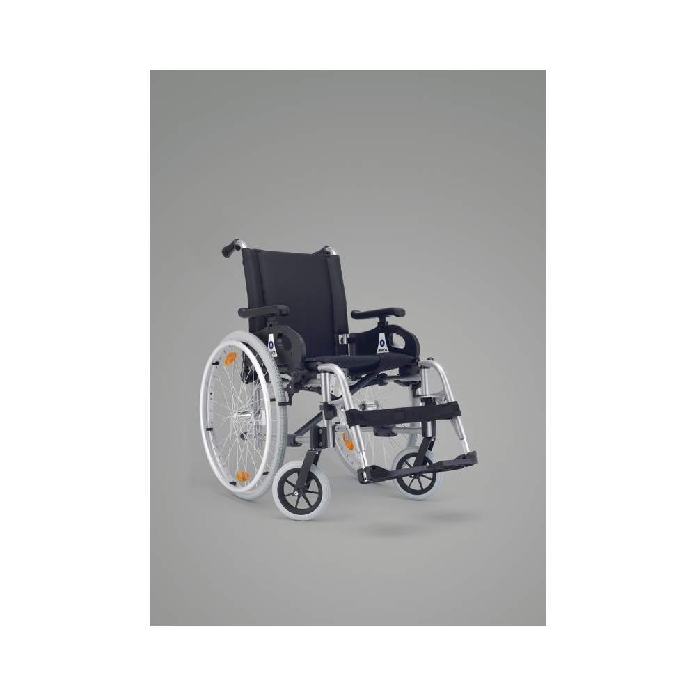 Completa cadeira de rodas Minos grande roda - A opção mais rentávelPara os mais exigentes, desenvolvemos a cadeira forquilha dianteira completa Minos com placa multi ajustáveis que permitem que o ângulo do assento.A...