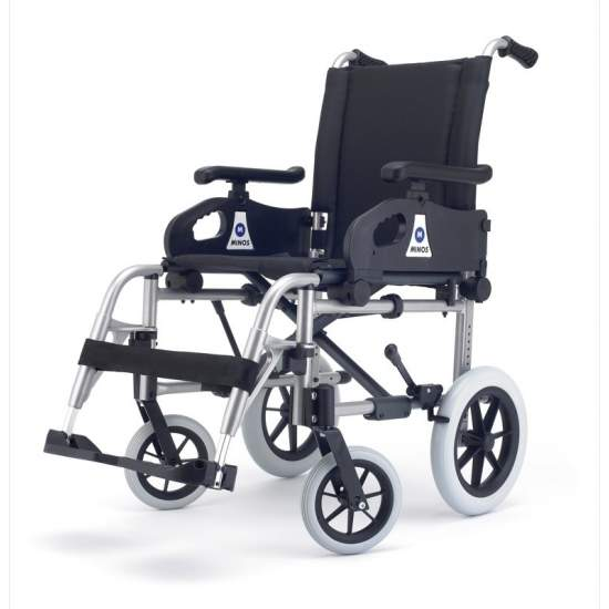 Silla de Ruedas Minos Plena Transit - The most cost effective optionFor the most demanding we have developed Full Minos chair with adjustable front fork and multi plate which vary the seat angle.The wheelbase has been reduced to improve the maneuverability of the chair and...