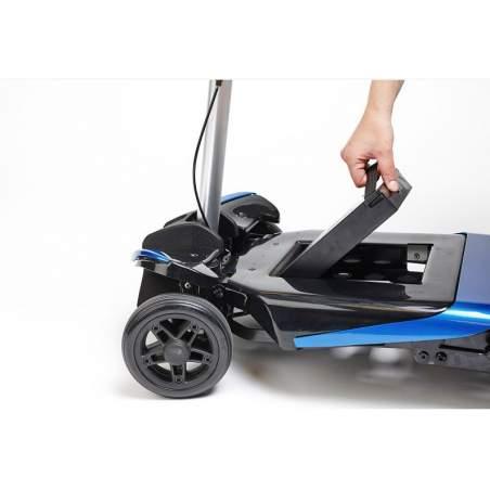 Transformador com patinete elétrico dobrável