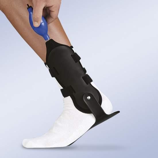 AIR VALFEET inflável estabilizador de tornozelo - Estabilizar órtese para o controle de tornozelo, que consiste em duas conchas termoplásticas articulada apoiada planta maleolares e forros infláveis