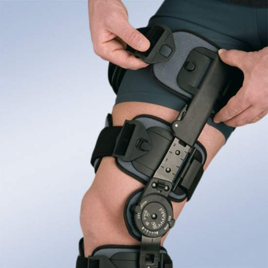 Attelle de genou verrouillage (deux bandes étroites, 4 sangles) - Articulation du genou orthèse monocentrique. Système de -10 à + 30 ° verrouillage.