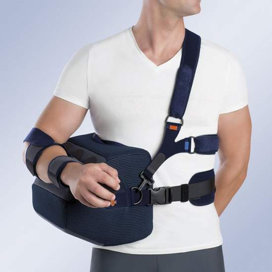 Shoulder abduction orthosis 30 ° / 45 ° - Made of breathable honeycomb fabric allows air circulation to avoid possible irritation. The support arm is made of tissue Poromax®