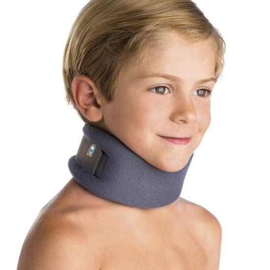 Collarín Cervical Pediátrico - Fabricado en espuma de poliuretano con una altura de 6 cm, cierre posterior de velcro, transpirable y diseño anatómico.