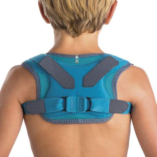 Immobilizer Collarbone - Manufactured comb, curl and foam padded with neoprene covers on the straps, pins on the back and closures microgancho to adjust the tension of the brace.