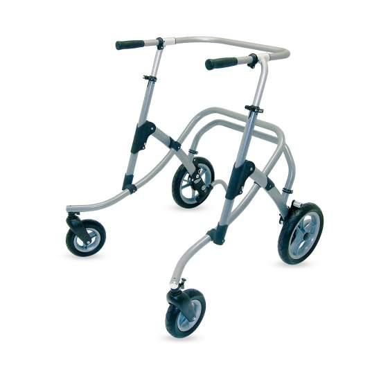 Andador infantil Flux - Flux es un andador posterior que facilita el movimiento natural. Caminar en la dirección libre de cualquier parte estructural del Flux, alienta la postura erguida y ayuda a andar con naturalidad.