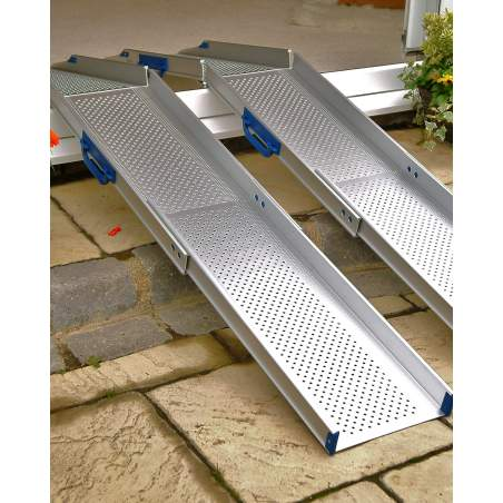 Electronic wheelchair ramp