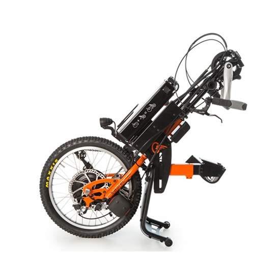 Handbike BATEC Hibrido - El handbike BATEC HÍBRIDO es nuestro handbike acoplable con asistencia eléctrica que te permitirá realizar un saludable ejercicio físico sin renunciar a la comodidad de tu silla de ruedas manual