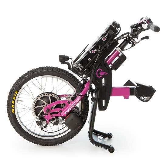 Tetra ELECTRIC handbike Purple BATEC - With a handbike BATEC ELECTRIC Purple Tetra you can enjoy a 2 in 1: a single solution that will revolutionize your mobility outdoors without having to give up the benefits of your manual wheelchair. It is the ultimate mobility tool.