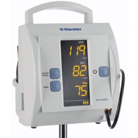 Monitorare la pressione del sangue per uso clinico in piedi
