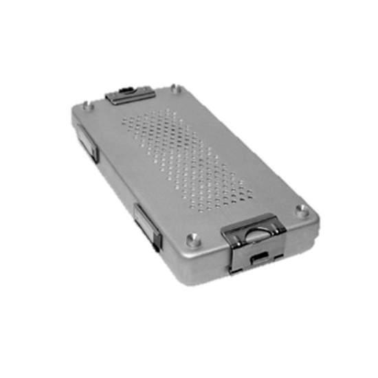 Sterilisierbehälter mit perforiertem Deckel aus eloxiertem Aluminium von 30 x 14 x 7 cm.