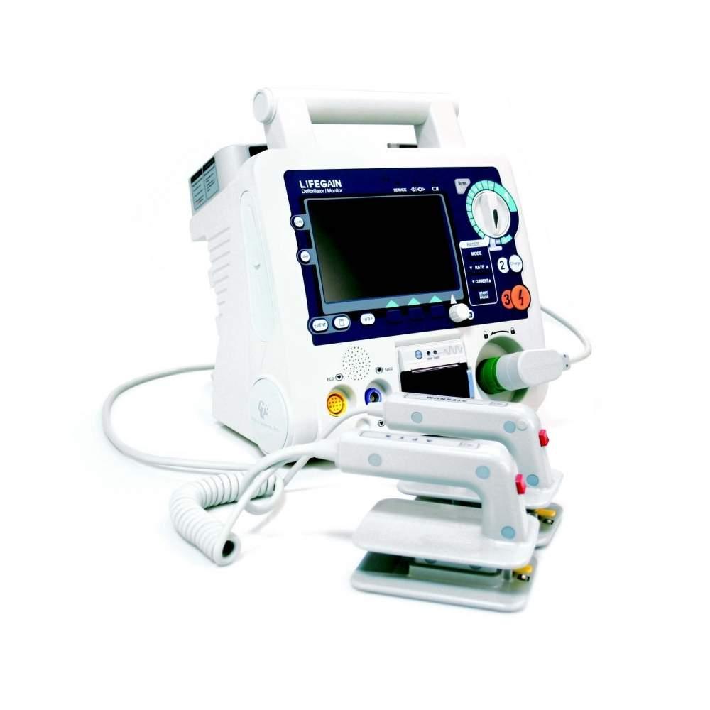 DESFIBRILADOR PARA USO HOSPITALARIO CON PANTALLA LCD DE COLOR - DESFIBRILADOR PARA USO HOSPITALARIO CON PANTALLA LCD DE COLOR