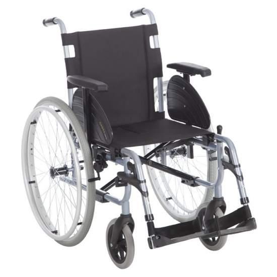 Gades fauteuil roulant léger VARIO 600mm -  La famille de la chaise la plus compétitive et polyvalent GADES  Le plus résistant du marché, supporte 140 kg. Aussi plus léger, de 15,5 kg et la seule chaise en acier léger standard qui adapte aux besoins de chaque utilisateur assis.