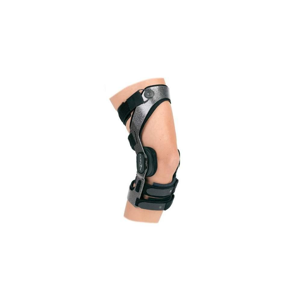 Rodillera Donjoy ARMOR - La rodillera Armor de DonJoy es la ortesis de rodilla más resistente y funcional de dimensiones prefijadas que hay en el mercado, diseñada para personas con una vida activa que...