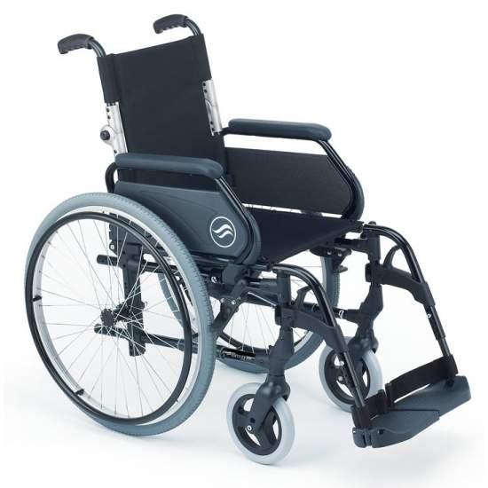 Breezy 300P - Silla de ruedas de aluminio plegable - Silla de ruedas plegable Breezy 300P autopropulsable ruedas grandes y respaldo partidoLa silla de ruedas de aluminio con más modelos y opciones. Y con el mejor servicio