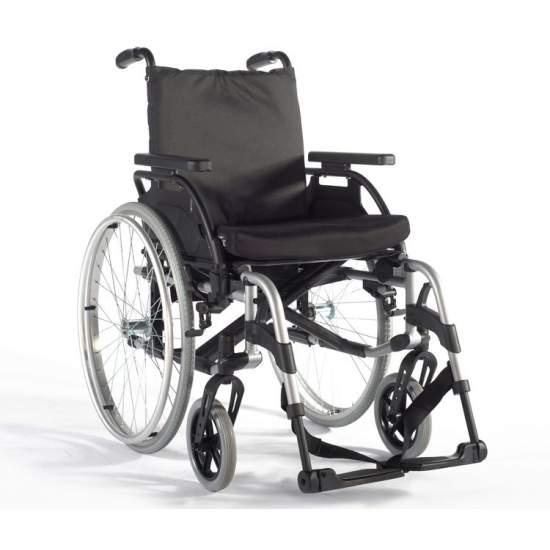 BasiX 2 Silla de ruedas plegable - Silla de Gran resistencia, con ajustes rápidos y sencillos Breezy BasiX 2 permite realizar sencillos ajustes en el asiento, respaldo, reposabrazos, reposapiés y horquilla para adaptar la silla a las diferentes necesidades y tipos de...