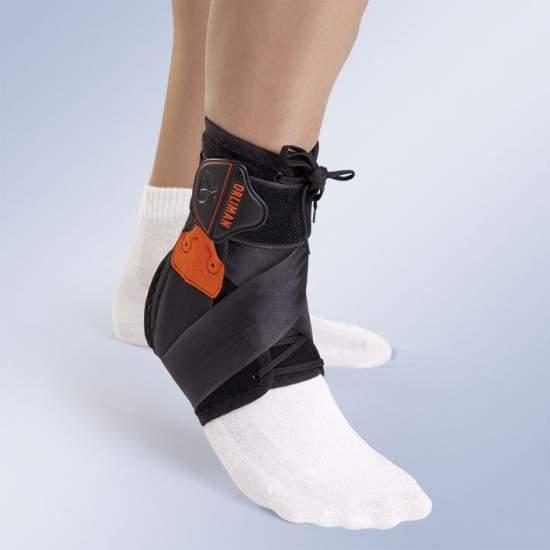 ESTABILIZAÇÃO TORNOZELO LACE TOBIPLUS -  estabilizador de tornozelo ortopédicas feitas em tecido de veludo de alta resistência revestimento de espuma (POROMAX®) e tratamento antibacteriano (THERMYTEX), respirável, desde que com medial e reforços laterais.