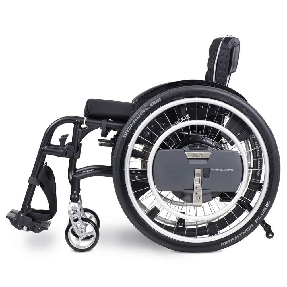 Quickie WheelDrive - WheelDrive es un innovador dispositivo de ayuda eléctrica a la propulsión que, acoplado a tu silla de ruedas manual, facilitará tus desplazamientos para que puedas llegar más...