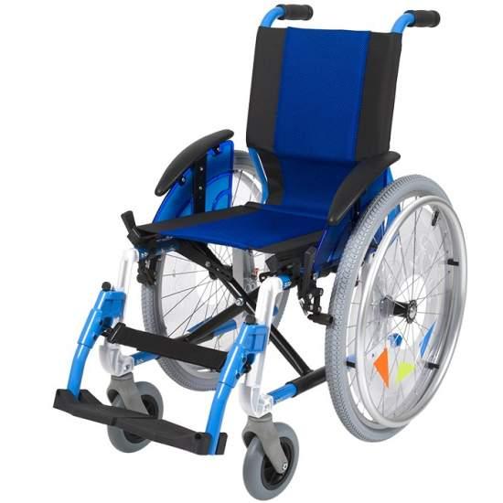 Silla de ruedas Line Infantil de Forta - Las sillas de ruedas infantiles Forta están diseñadas para ser utilizadas por niños o adolescentes. Cuentan con una amplia gama de colores y con cojines acolchados para mejorar aún más el confort del usuario