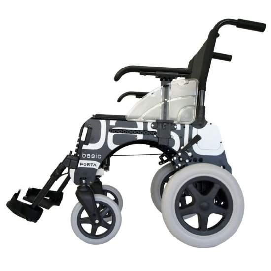 Silla de ruedas BASIC ruedas pequeñas 300 mm - La silla de ruedas Basic de Forta 300 tiene un diseño y estructura únicos en el mercado, lo que le permiten, entre otras cosas, ser estrechada con el usuario sentado, ganando accesibilidad y versatilidad.