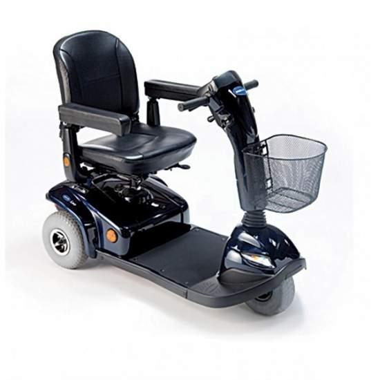 """Invacare Leo scooter 3 ruote 2014 -  Il Invacare Leo è uno scooter a 3 ruote ridisegnato quest'anno 2014 per gli utenti che amano la loro indipendenza e autonomia. La sicurezza è una caratteristica fondamentale del Leo, senza sacrificare un """"look"""" sportivo ed elegante."""