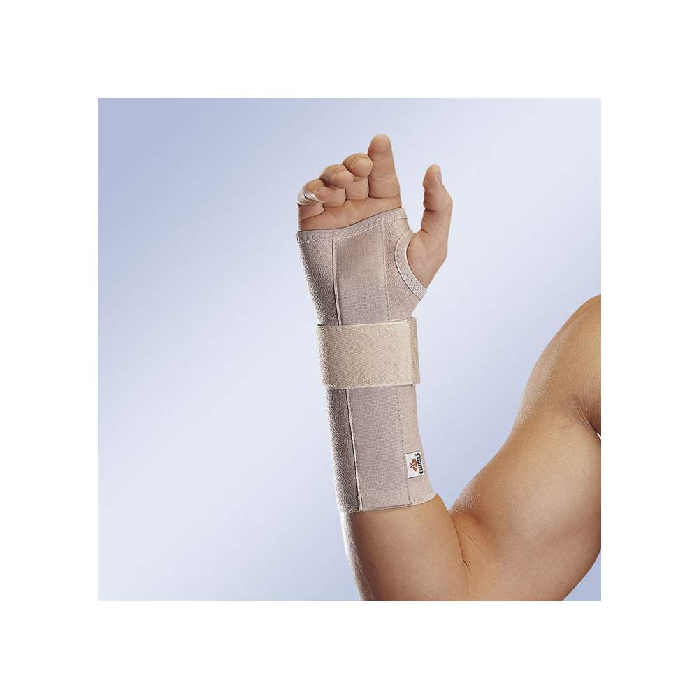 WRIST STRETCH WITH LONG OPEN FERULA ORLIMAN -  Splint wrist strap soft elastic material, adjustable with Velcro and elastic velcro strap on the wrist. Moldable removable plate with hemispherical support the palmar area.