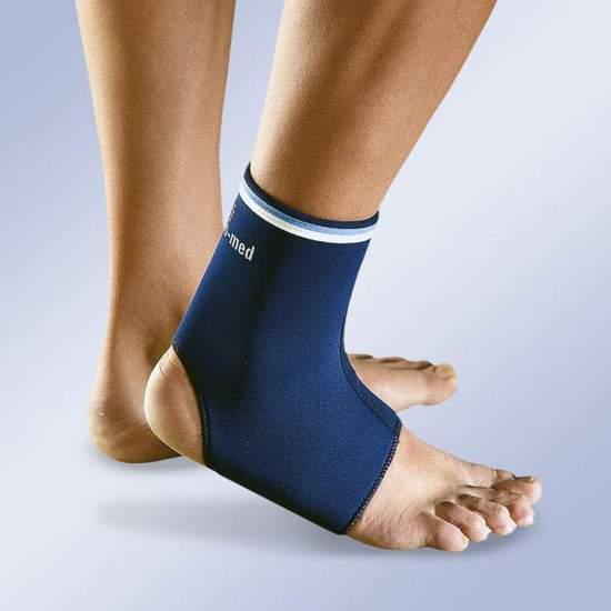 Caviglia del neoprene CHIUSO -  Cavigliera misura neoprene da 3 mm in diretta sulla parte superiore per una migliore vestibilità.