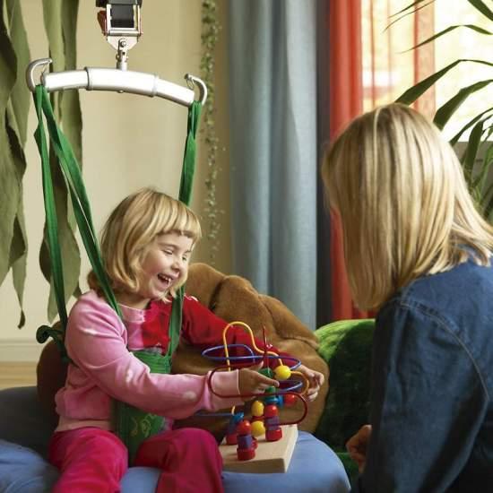 Grúas de techo - Descubra las novedades en grúa de techo para bienestar del cuidador y dignidad del paciente