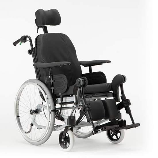 SEDIA A ROTELLE RECLINER ROCKER per il posizionamento e REA CLEMATIS - Una seduta passiva con unità di seduta regolabile (angolo schienale regolabile, sollevamento poggiagambe) può causare gravi lesioni se i meccanismi di adeguamento o prendere in considerazione l'anatomia del corpo umano.