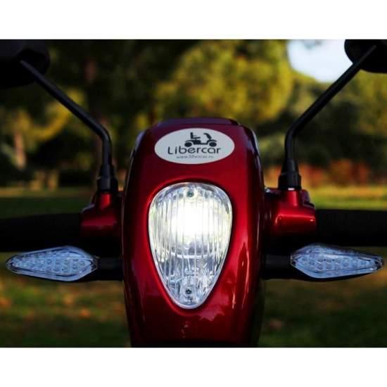 Scooter eléctrico Libercar Urban 2018 - El Scooter eléctrico Libercar URBAN version 2018, es el scooter compacto con las mejores prestaciones de su categoría. Diseñado especialmente para aquellas personas que prefieren la maniobrabilidad de un scooter compacto pero sin...