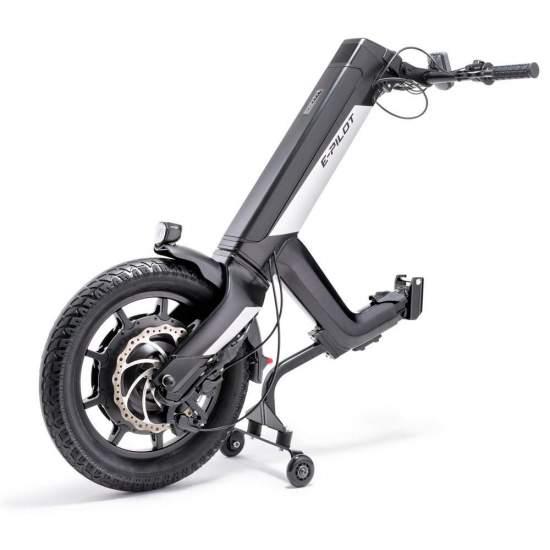 Alber E-Pilot Hand Bike eléctrica - El E-Pilot permite convertir una silla de ruedas manual en un vehículo en cuestión de segundos, solo se necesitan unos simples pasos para acoplar el E-Pilot a tu silla de ruedas y así tener una combinación de movilidad perfecta: un...