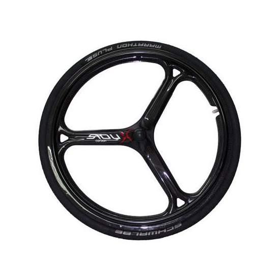 Roues en fibre de carbone Sioux - Roues SiouXX TriCarbon, peut-être les roues les plus légères (740gr) et aérodynamiques sur le marché, fabriquées entièrement en carbone, son design élaboré nous permet d'avoir les roues les plus légères avec une résistance sans égale....