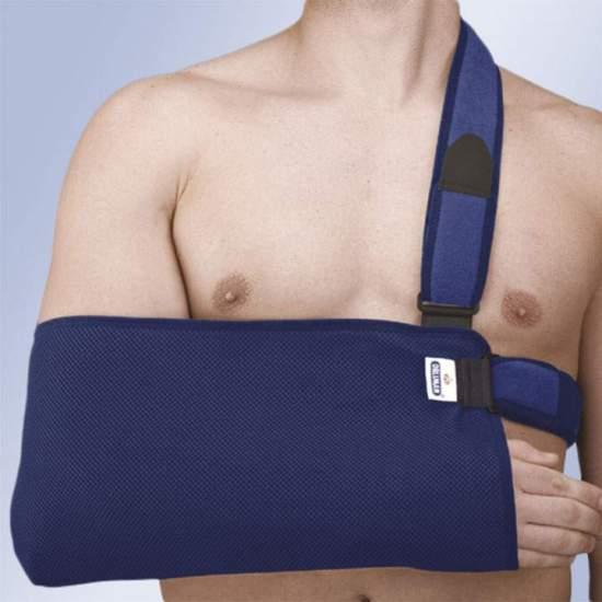 CABESTRILLO TRANSPIRABLE CON CINCHAS FOAM ORLIMAN - Fabricado con tejido transpirable de panal en forma de bolsa para codo y antebrazo. Dispone de una banda de ajuste que permite regular la altura del brazo. Se suministra una banda de ajuste en cintura inmovilizadora del hombro.
