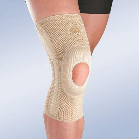 BREATHABLE ELASTIC KNEE WITH OPEN ROTULA SILICONE IMPELLER AND SIDE STABILIZERS 8105
