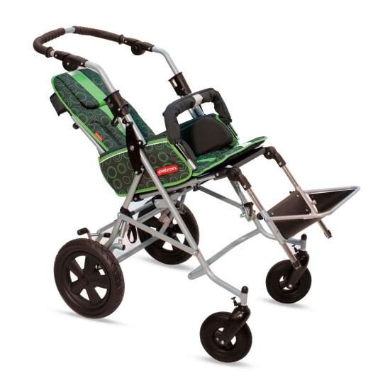 RehaTom disabili 4 -  Riabilitazione RehaTom passeggino Patron 4 combina un design semplice con un telaio rinforzato, che consente sia l'utente e il passeggero godono di comfort e sicurezza totale. Il sedile è reversibile, girevole e reclinabile.