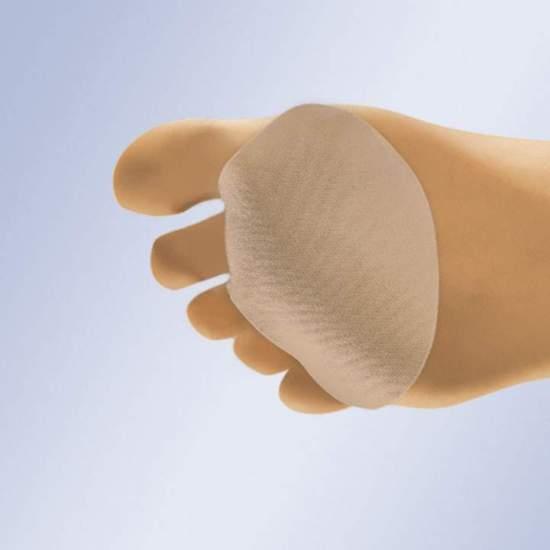 TRAVESSEIRO METATARSAL EM GEL COM TECIDO GL-200 -  Almofada em gel de polímero viscoelástico não tóxico com anel de fixação de 2º dedo, coberta com tecido cirúrgico elástico.