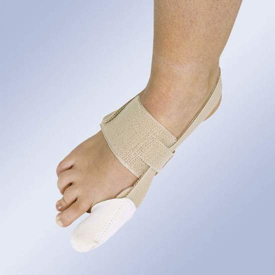 CORRECTOR OF HALLUX-VALGUS DIURNO HV-32 -  It consists of an elastic band around the instep and a cap for the first finger that extends with an elastic band behind the Achilles tendon and closes with Velcro to exert traction to the optimal position.