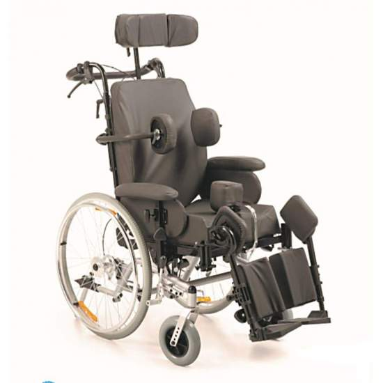 Balance de balançoire en fauteuil roulant - Fauteuil roulant avec positionnement inclinable. La fonctionnalité de ces fauteuils permet de bénéficier aux patients souffrant d'affections légères et de syndromes complexes.