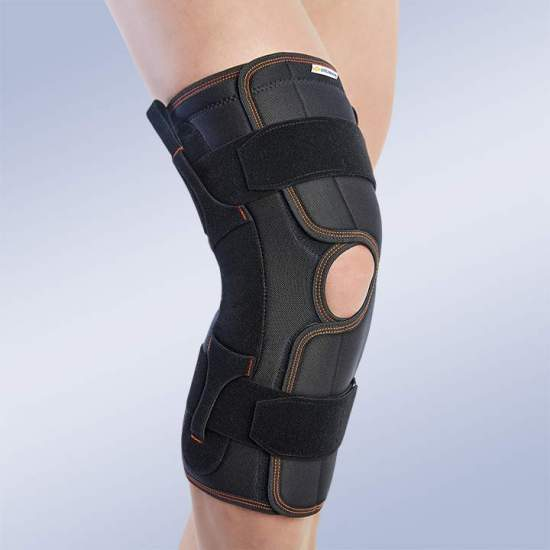OPEN KNEE WITH POLYCENTRIC JOINTS -  Knee brace made of breathable elastic three-layer material. It consists of 3 layers that are divided into an elastic fabric based on microfibres, polyurethane foam and cotton curl, which facilitates rapid dispersion of sweat, greater...