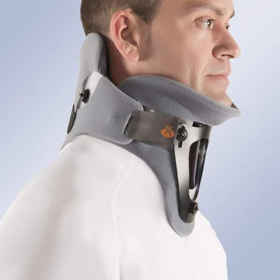 Bivalve cervical collar with occipitomental support - Made of low density polyethylene, composed of two valves joined together by Velcro side closures. The orthosis has an inner padded foam lining and velor outer lining, which increases the comfort sensation avoiding the appearance of...