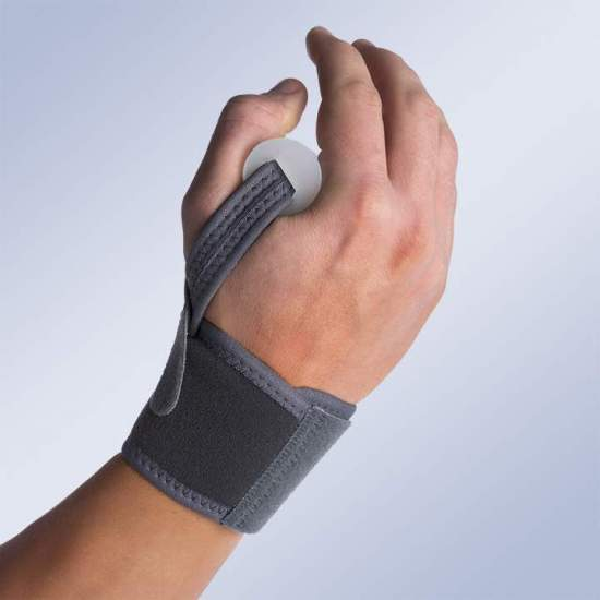 Pulseira de abdução do polegar - Pulseira feita de material respirável que permite regular a compressão e tração exercida no polegar de acordo com as necessidades de cada paciente.