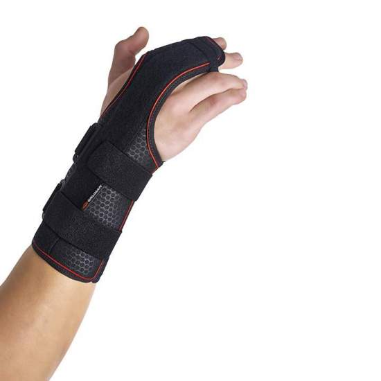 Semi-rigid wrist band with palmar - dorsal / 2nd and 3rd metacarpal splints - Wristband made with a breathable textile base and a layer of cotton that is in contact with the skin allowing free movement of the fingers. The palmar and dorsal splints are made of malleable aluminum, for a more independent grip of the...