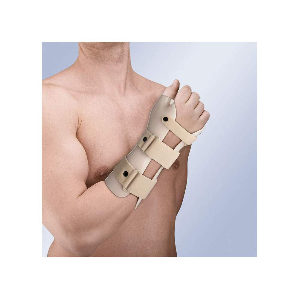 THERMOPLASTIC WRISTBAND IMMOBILIZATION STRAP (IN DORSIFLEXION) WITH THUMB TP-6103 -  Made of thermoplastic, and covered in plastazote, it incorporates 3 straps in velor with safety pin on the wrist and forearm, closing system in micro-hook. It allows the...