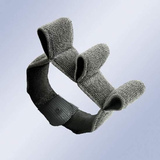 Separador interdigital - O acessório permite a separação e alinhamento dos dedos.