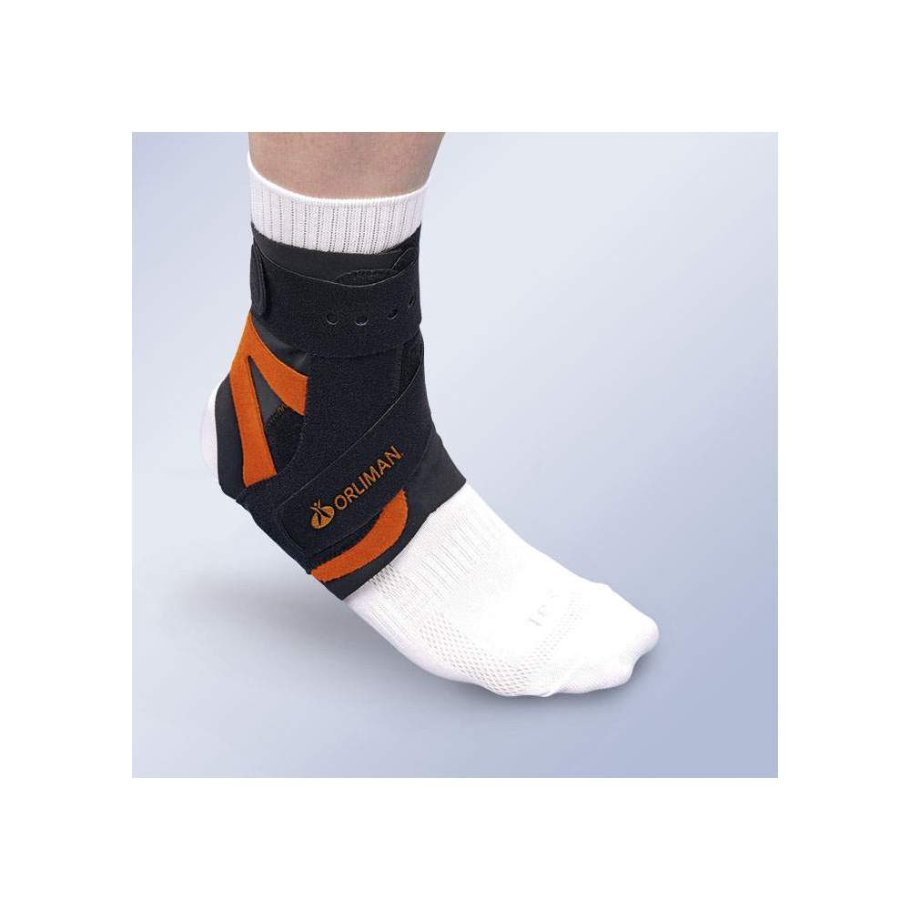 ALTTEX- TOBILLERA CON FÉRULA ESTABILIZADORA MEDIO-LATERAL - Made of breathable velor material, provided with stabilizing medium-antirotational side at an angle.