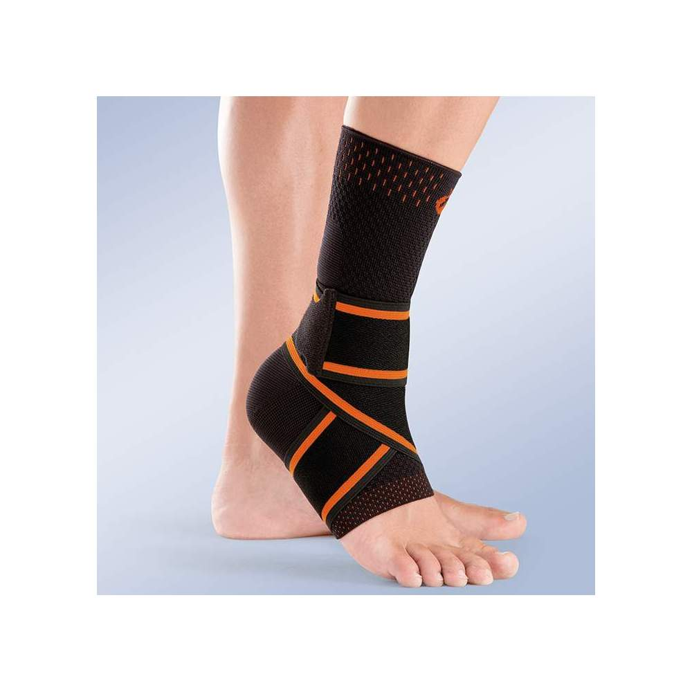 CROSS ELASTIC ANKLE -  Sock-type ankle made of breathable knit elastic fabric by means of soft and very resistant flat knit, includes elastic band crossed in eight.