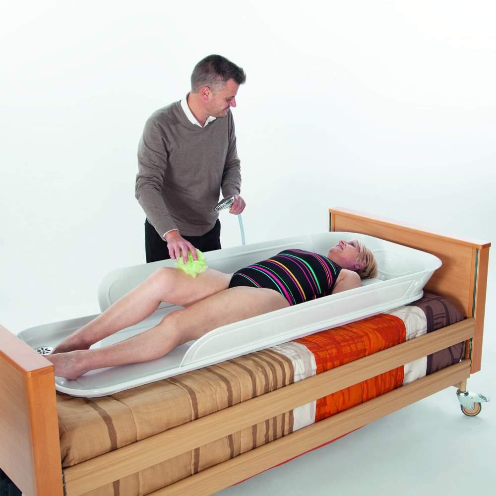 Bañera para cama Jube - La bañera Jube es un producto innovador y único que se adapta perfectamente a las necesidades de aseo de las personas inmovilizadas en cama, que se encuentran tanto en sus...
