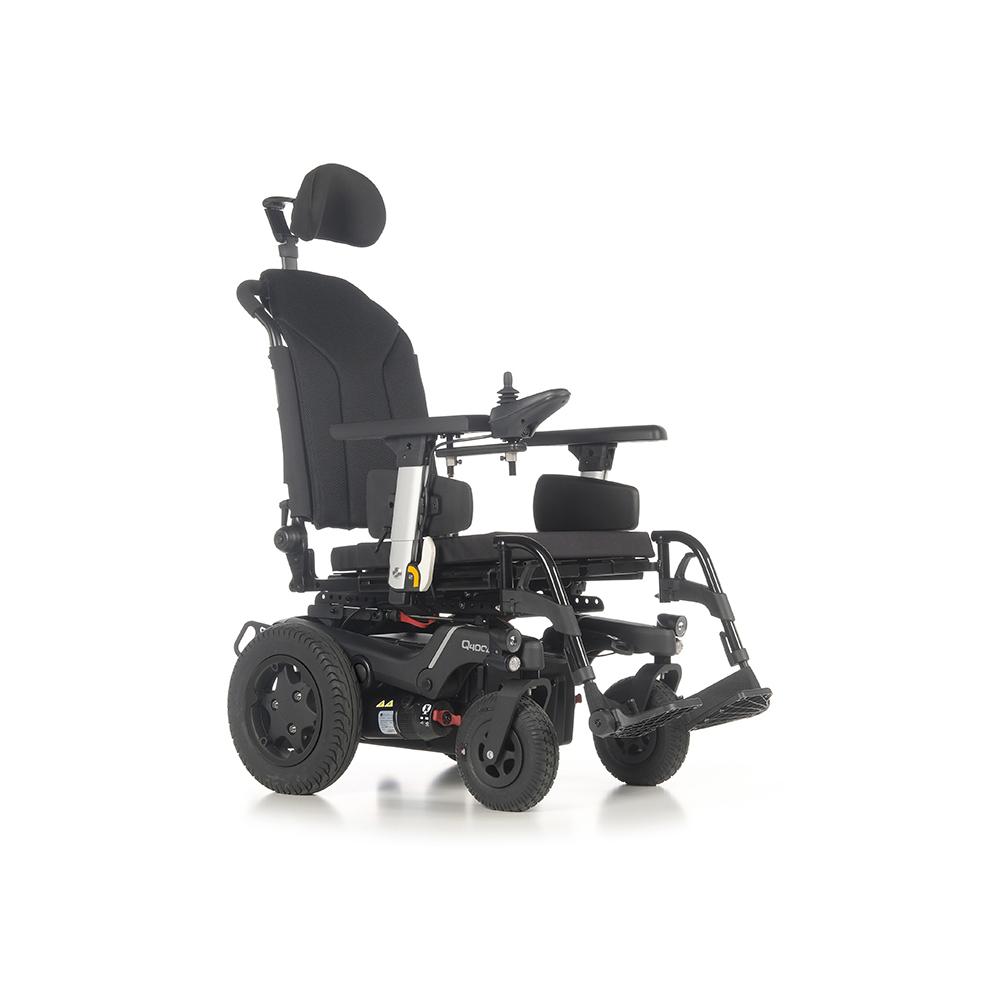 Silla de ruedas eléctrica Q400 R SEDEO LITE - La silla de ruedas eléctrica con tracción trasera QUICKIE Q400® R ofrece una excelente maniobrabilidad en exteriores y un increíble rendimiento en interiores.