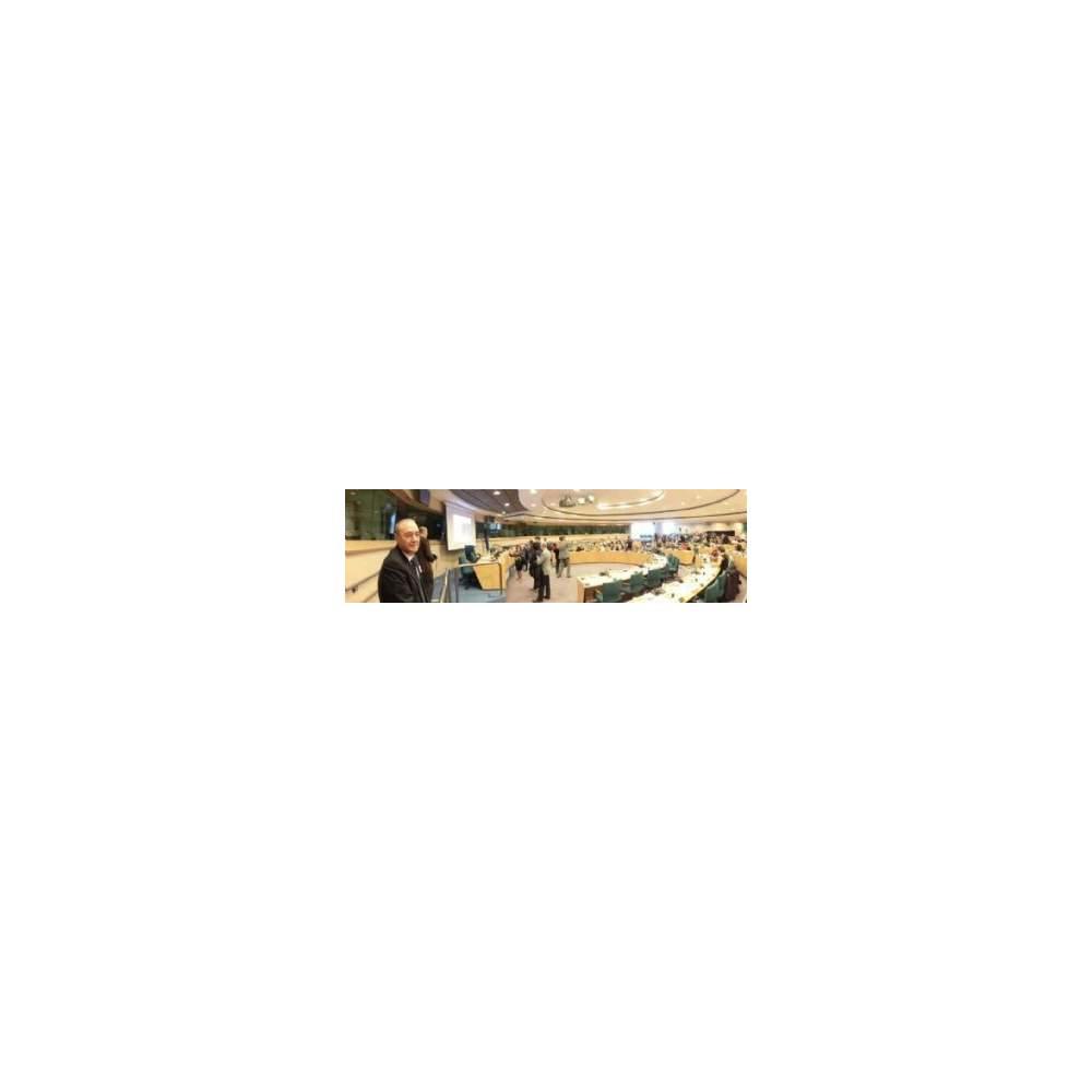 """Pendente na Europa: ouvir dependência sector dos cuidados - O setor de saúde como um motor de desenvolvimento econômico e redução do défice """"foi o tema da reunião realizada pelo ECHO e Confcommercio International. Sua opinião é de grande..."""
